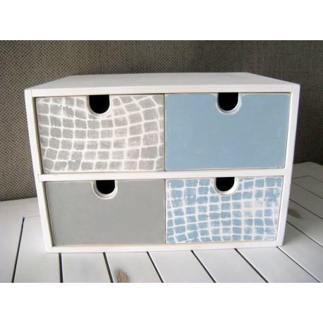 Pudełko z 4 szufladami