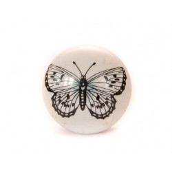 Biała gałka do mebli z motylem