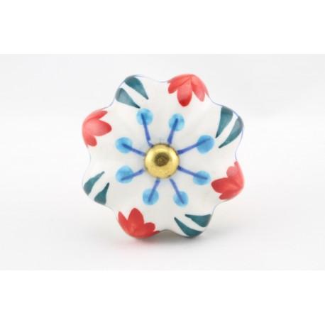Uchwyty do mebli z motywem kwiatowym